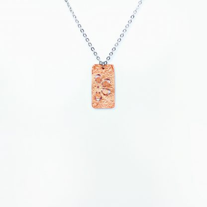 """Daisy - Short Rectangle Necklace - Hammered Pop Up - 22"""""""